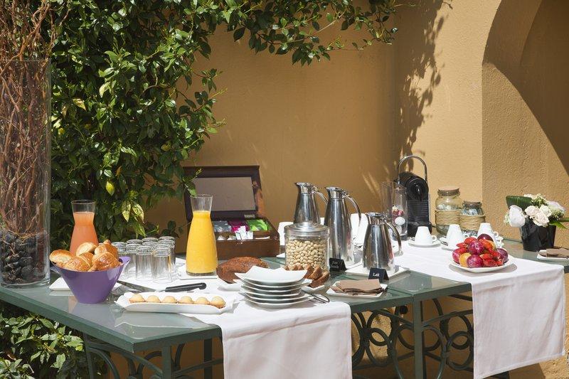 La Perouse Hotel-Coffee break<br/>Image from Leonardo