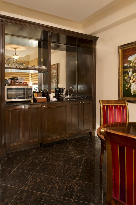Kimberly Midtown Apartments-Luxury Suite wet-bar area at The Kimberly Hotel <br/>Image from Leonardo