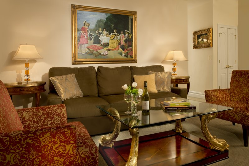 Kimberly Midtown Apartments-Luxury one-bedroom livingroom<br/>Image from Leonardo