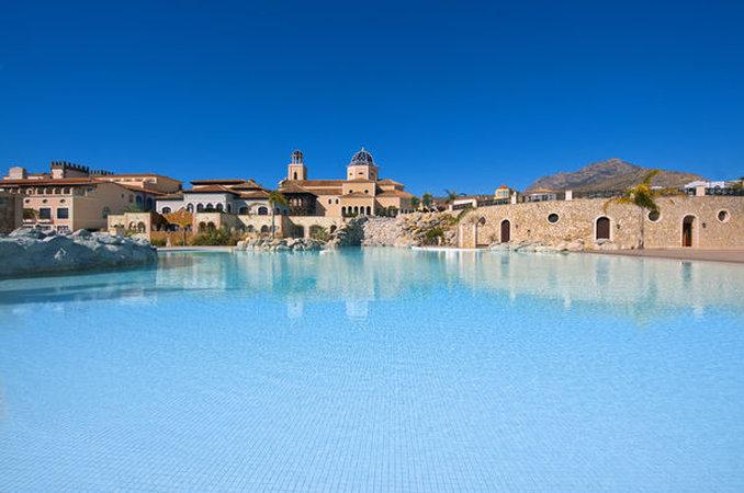 The Level at Melia Villaitana-Pool<br/>Image from Leonardo