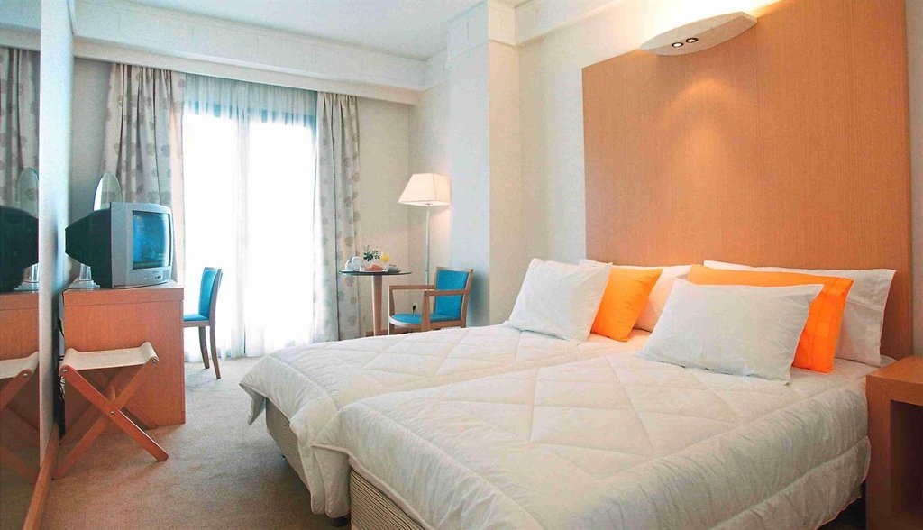 Achilleas Hotel Athens-Guest room<br/>Image from Leonardo