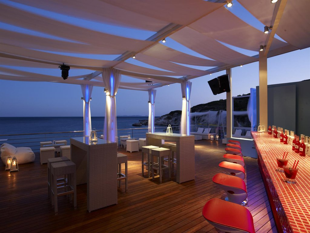 Doryssa Bay Resort-Bar Lounge<br/>Image from Leonardo