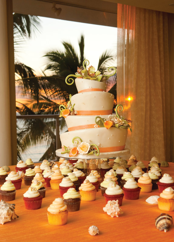 Outrigger Reef Waikiki Beach Resort - Outrigger Reef Waikiki Beach Resort - banquet wedding 7 <br/>Image from Leonardo