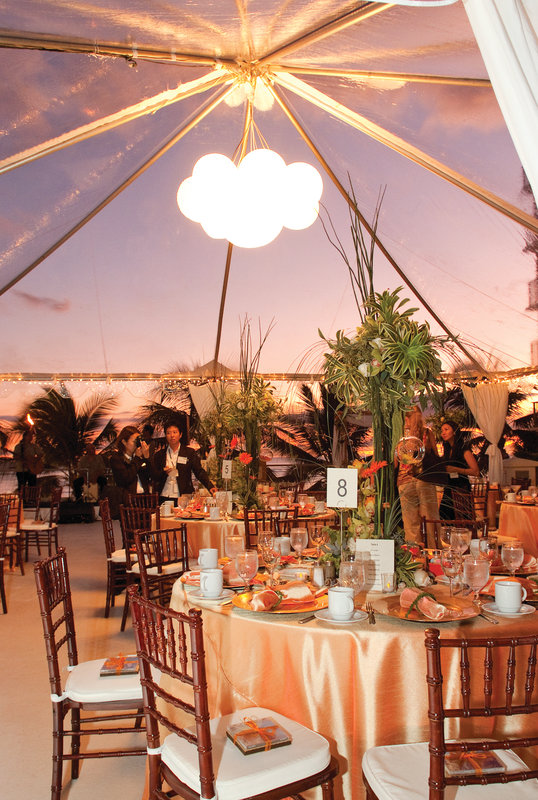Outrigger Reef Waikiki Beach Resort - Outrigger Reef Waikiki Beach Resort - banquet wedding 10 <br/>Image from Leonardo