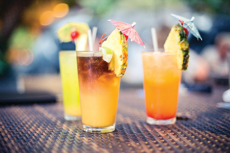 Outrigger Reef Waikiki Beach Resort - Outrigger Reef Waikiki Beach Resort - dining - kani ka pila grillee - drinks 1 <br/>Image from Leonardo