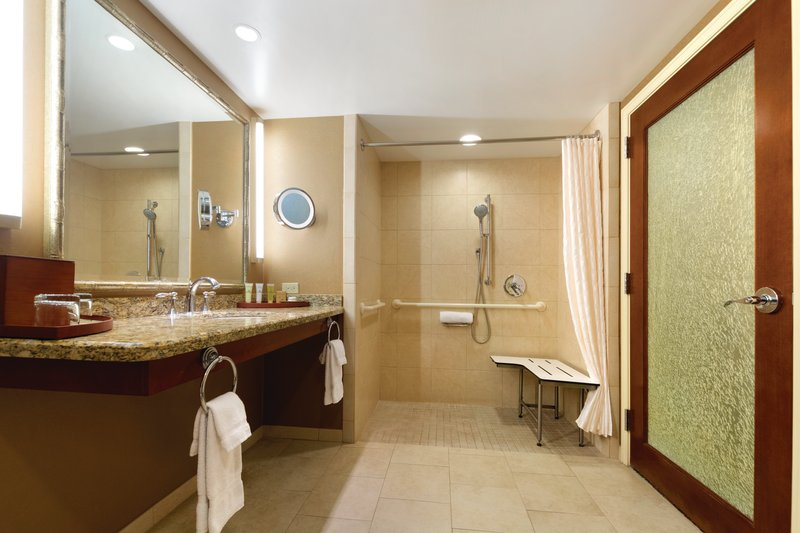 Outrigger Reef Waikiki Beach Resort - Outrigger Reef Waikiki Beach Resort - interior - pacific tower one bedroom city view double double ada bathroom <br/>Image from Leonardo