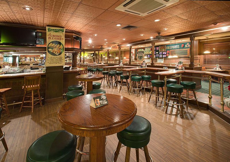 Holiday Inn Rock Island - Quad Cities-Bennigan's Bar and Grille<br/>Image from Leonardo