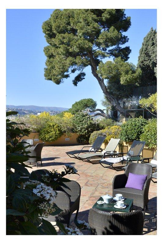 La Perouse Hotel-Solarium<br/>Image from Leonardo