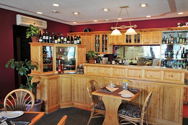 AURORA INN DAWSON CITY-Restaurant<br/>Image from Leonardo