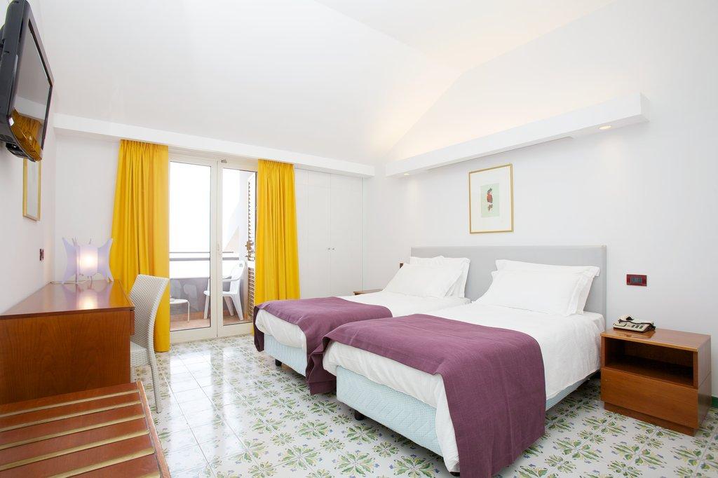 Art Hotel Gran Paradiso - RoomSeaView <br/>Image from Leonardo