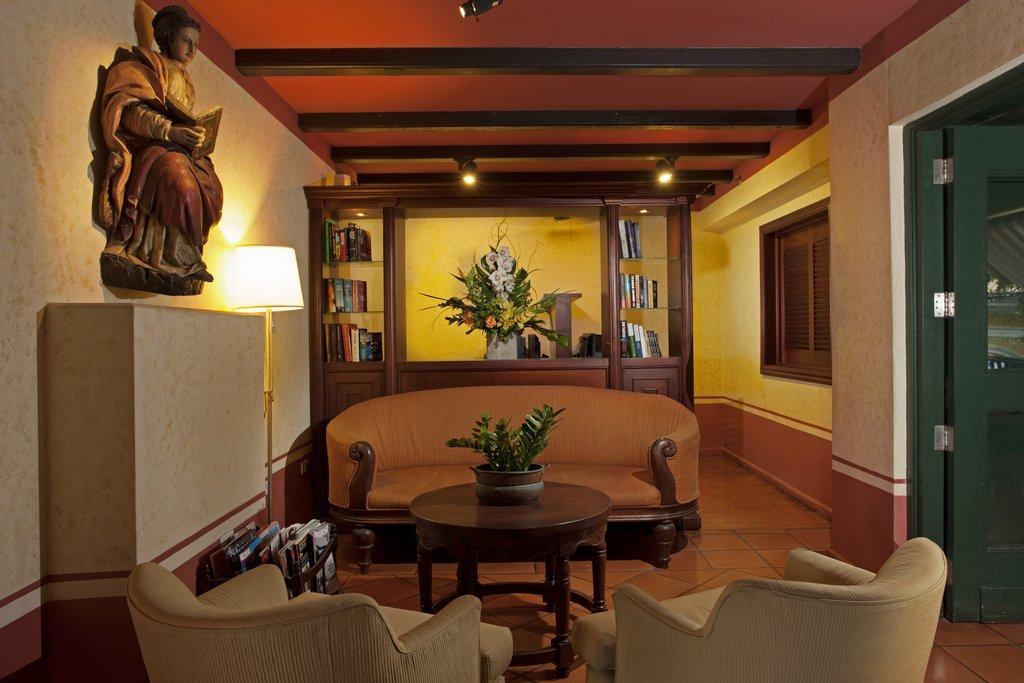Hotel El Convento - Library <br/>Image from Leonardo