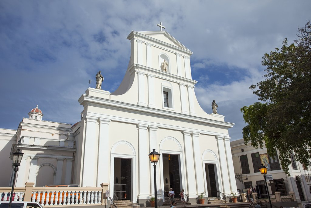 Hotel El Convento - San Juan Bautista Cathedral <br/>Image from Leonardo