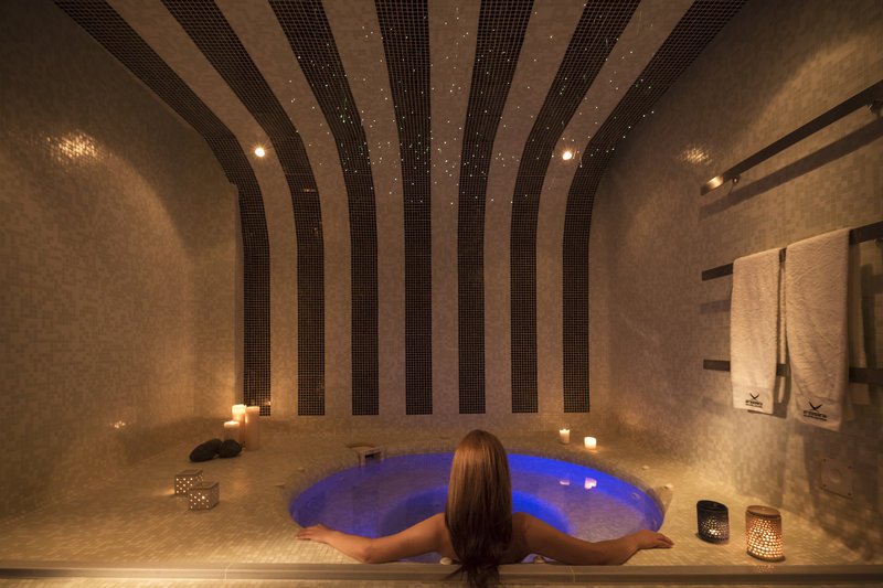 Aressana Spa Hotel & Suites-Hot Tub at Tefsion Kallos Relaxing Lounge<br/>Image from Leonardo