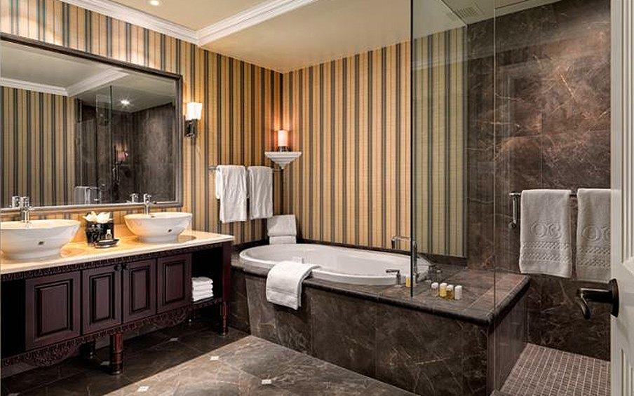 Oak Bay Beach Hotel-Bathroom<br/>Image from Leonardo