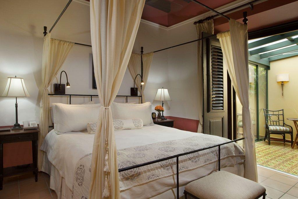 Hotel El Convento - Queen Deluxe Guest Room <br/>Image from Leonardo