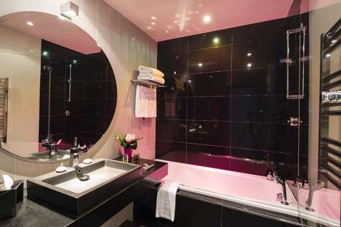 Hotel Canberra Cannes-Standard Bathroom<br/>Image from Leonardo