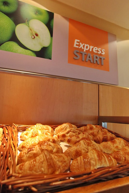Holiday Inn Express Redditch-Express Start Breakfast Area<br/>Image from Leonardo