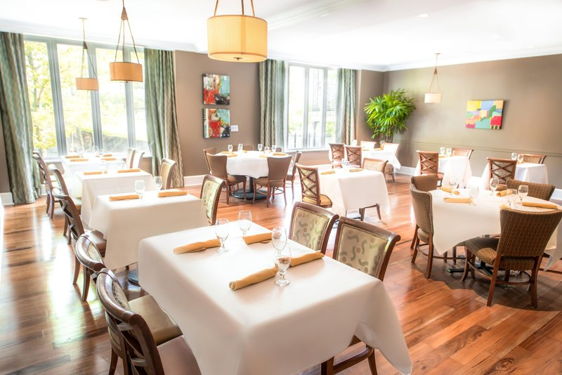 Hilton Baton Rouge Capitol Center-Kingfish Restaurant Main Dining<br/>Image from Leonardo