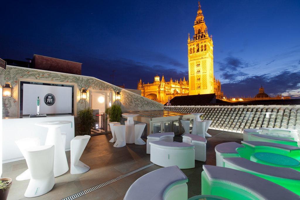 Dona Maria Hotel-Terrace<br/>Image from Leonardo