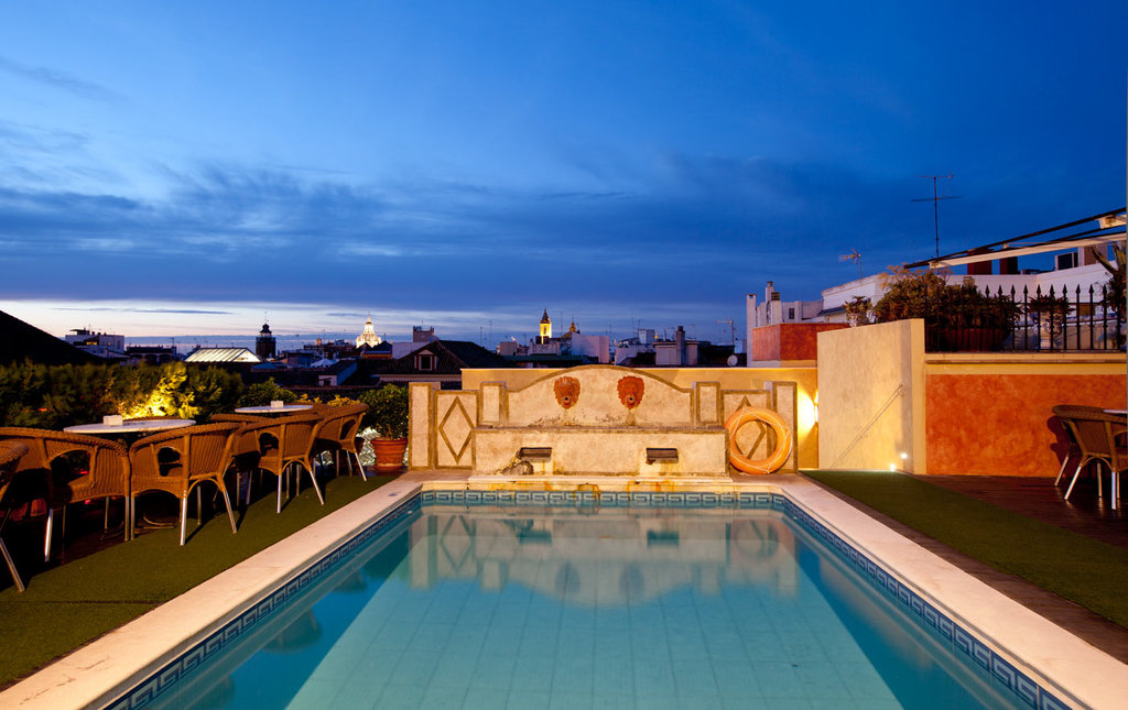 Dona Maria Hotel-Swimming pool<br/>Image from Leonardo