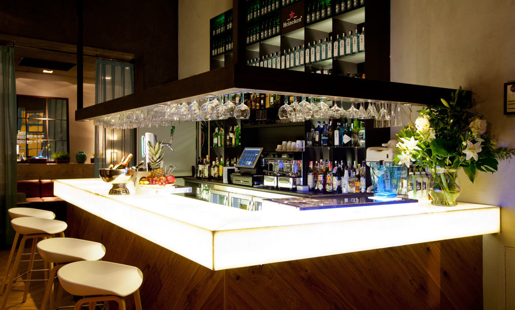 Dona Maria Hotel-Bar<br/>Image from Leonardo