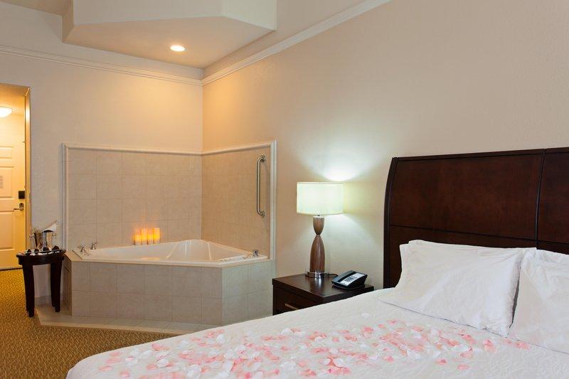 Hilton Garden Inn San Bernardino-Whirlpool Suite<br/>Image from Leonardo