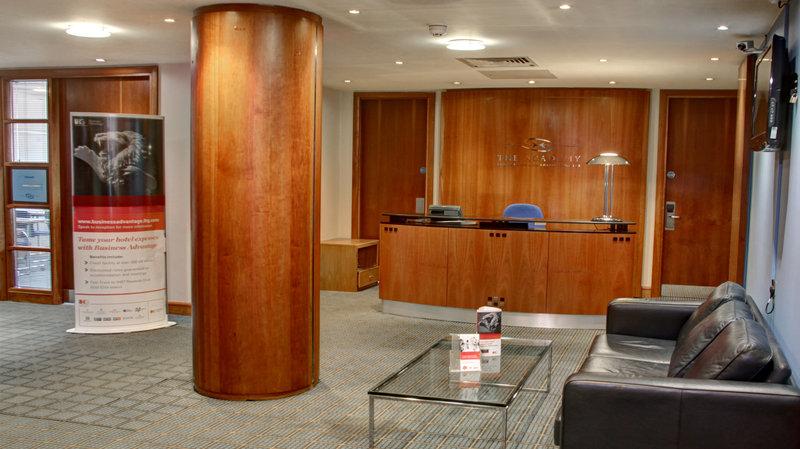 Holiday Inn High Wycombe M40, Jct. 4-Reception Area<br/>Image from Leonardo