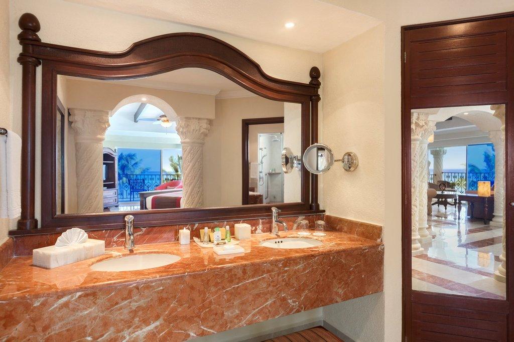 Hilton Playa del Carmen  - Master Suite Ocean Front <br/>Image from Leonardo