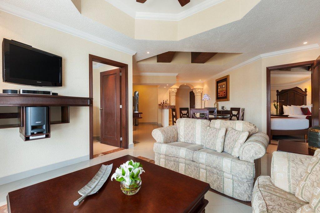 Hilton Playa del Carmen  - Master Suite <br/>Image from Leonardo
