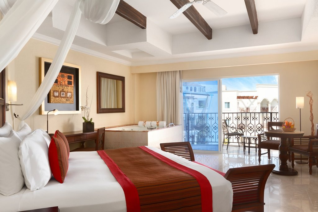Hilton Playa del Carmen  - Ocean View Room <br/>Image from Leonardo