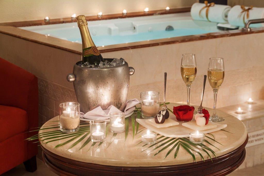 Hilton Playa del Carmen  - Oceanfront Romance Room <br/>Image from Leonardo