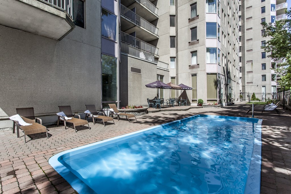 Le Nouvel Hotel and Spa - Pool <br/>Image from Leonardo
