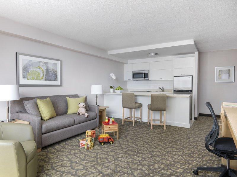 Chelsea Hotel Toronto-Family Fun Suite Living Room<br/>Image from Leonardo