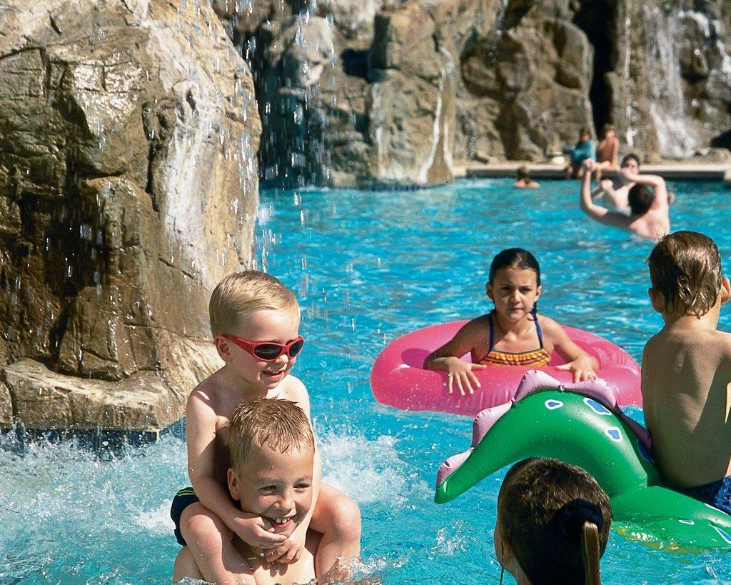 Pointe Hilton Tapatio Cliffs - Tapatio Cliffs Pools <br/>Image from Leonardo