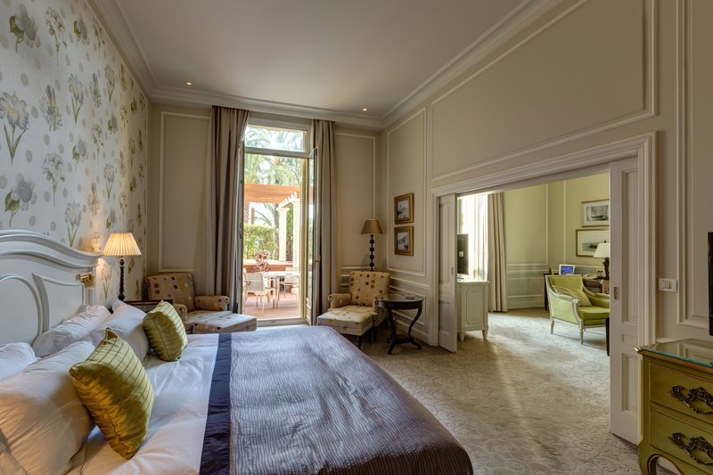 Hermitage Monte Carlo-One Bedroom Suite - Courtyard View with Jacuzzi<br/>Image from Leonardo
