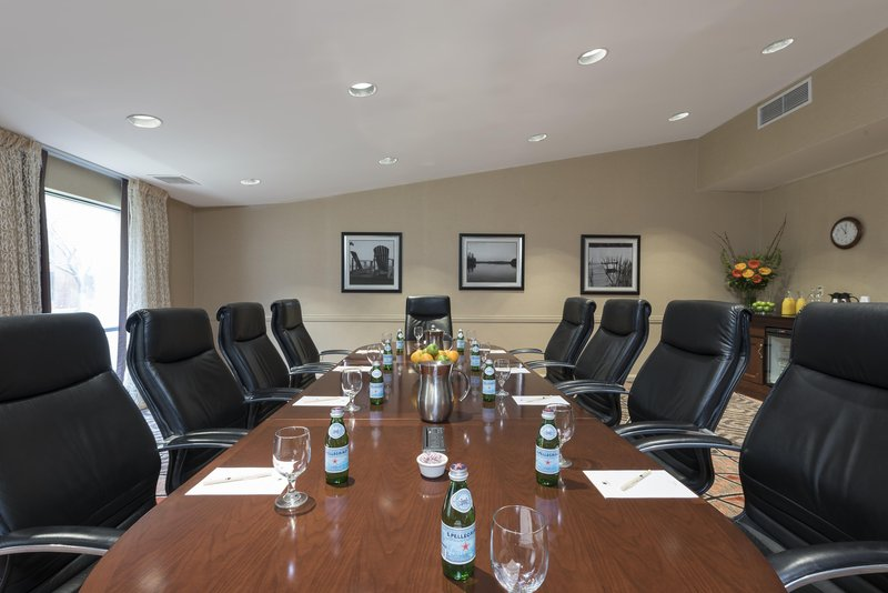 DoubleTree by Hilton Grand Rapids Airport-Board Room<br/>Image from Leonardo