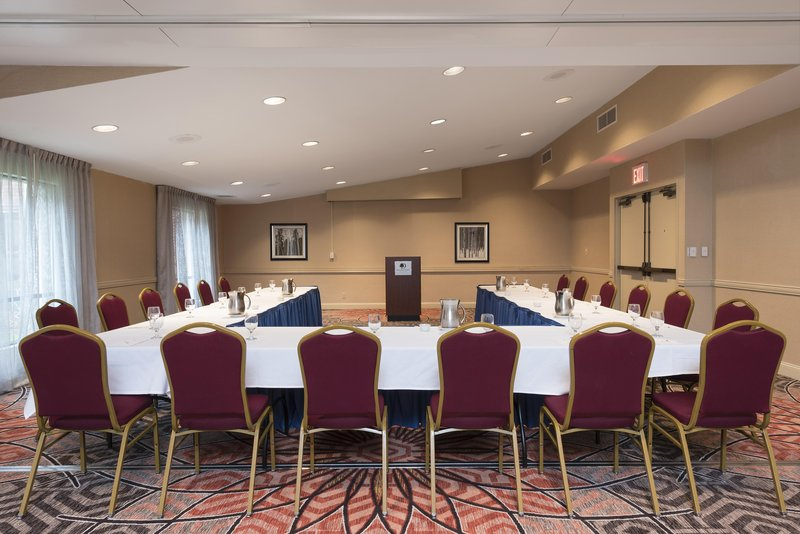 DoubleTree by Hilton Grand Rapids Airport-Conference Room<br/>Image from Leonardo
