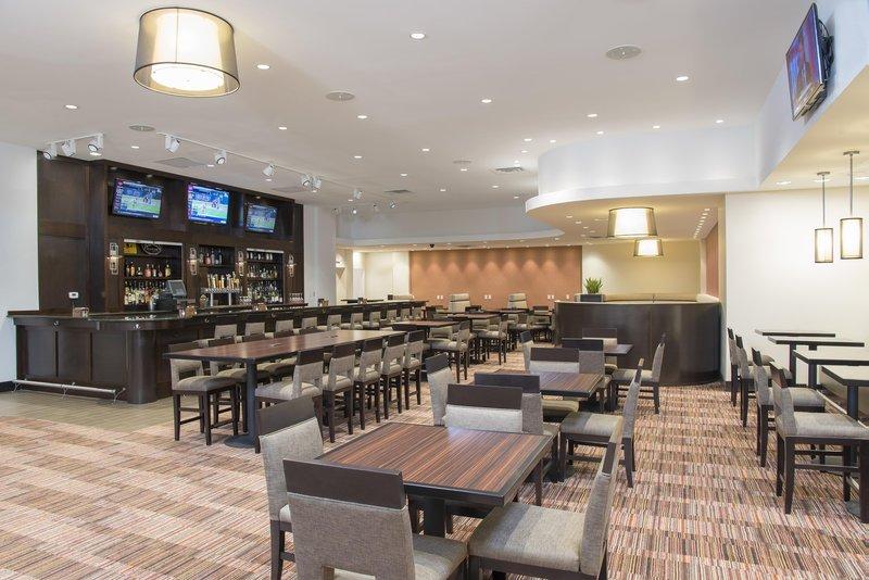 DoubleTree by Hilton Grand Rapids Airport-Lobby Bar<br/>Image from Leonardo