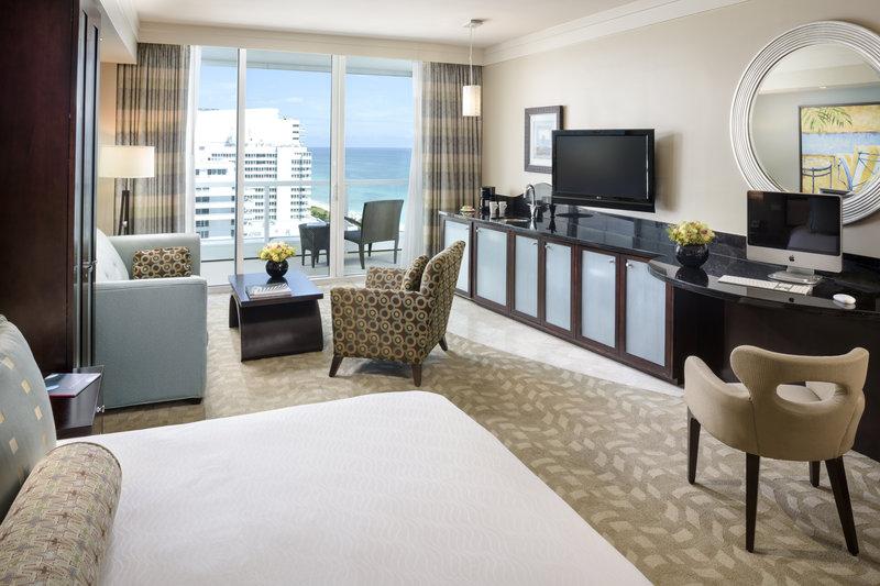 Fontainebleau Miami Beach - Sorrento Oceanview Junior Suite King <br/>Image from Leonardo