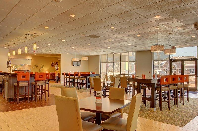 Holiday Inn Danbury-Bethel at Interstate 84-Café<br/>Image from Leonardo