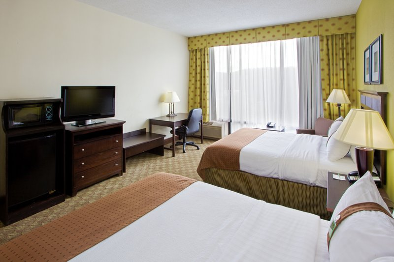 Holiday Inn Roanoke - Tanglewood - Rt 419 & I581-All the amenities of home for guests or Sports Team<br/>Image from Leonardo