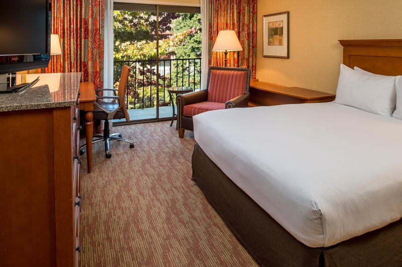 DoubleTree by Hilton Hotel Seattle Airport-One Queen Bed with Balcony<br/>Image from Leonardo
