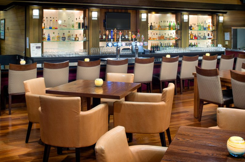 DoubleTree by Hilton Hotel Seattle Airport-Seaport Lounge Bar<br/>Image from Leonardo