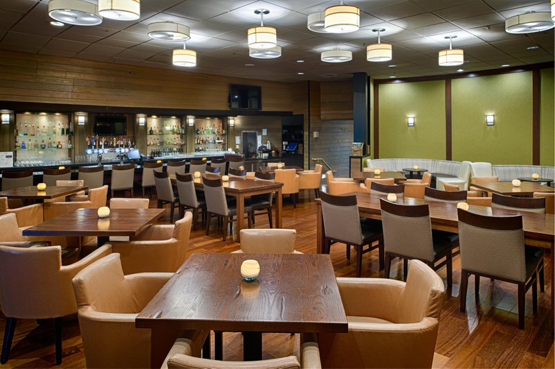 DoubleTree by Hilton Hotel Seattle Airport-Seaport Lounge<br/>Image from Leonardo