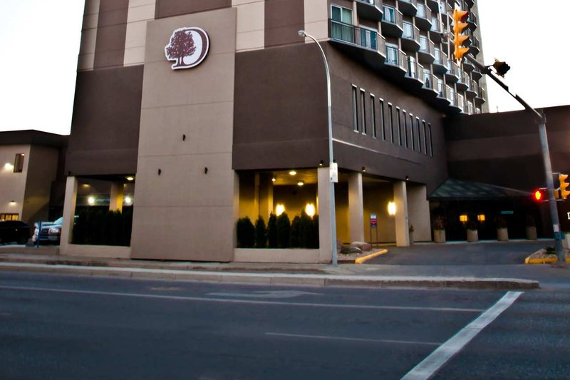 DoubleTree by Hilton Hotel & Conference Centre Regina-Exterior Front Entrance<br/>Image from Leonardo