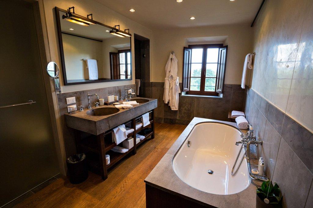 Castel Monastero-Bathroom<br/>Image from Leonardo