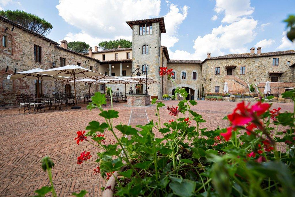 Castel Monastero-The Piazza<br/>Image from Leonardo