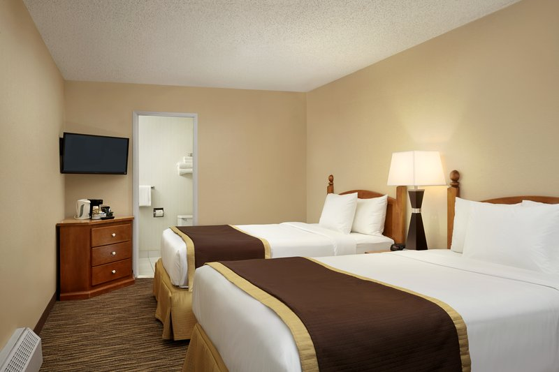 Lake Louise Inn-Standard Two Double Beds<br/>Image from Leonardo