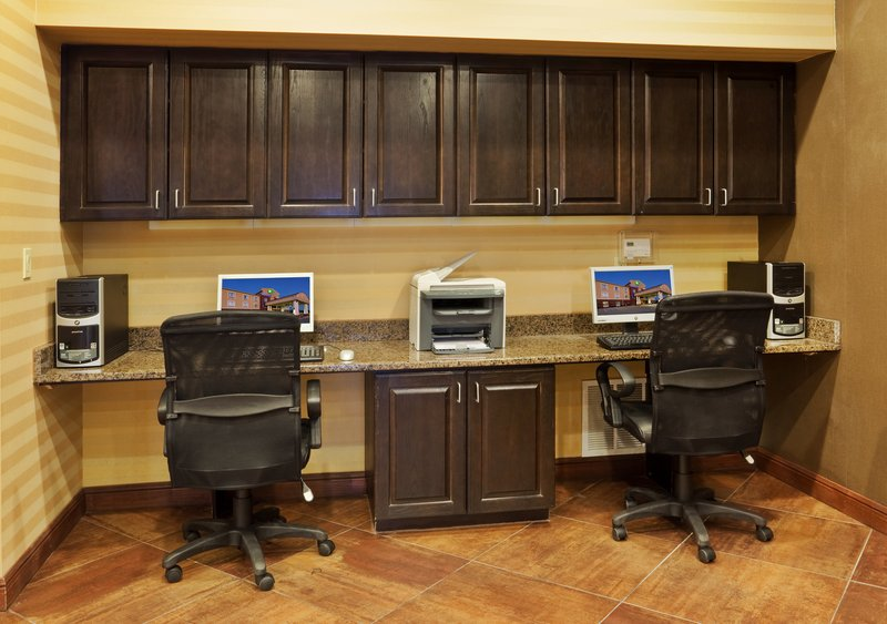 Holiday Inn Express & Suites Cleburne-Business Center<br/>Image from Leonardo