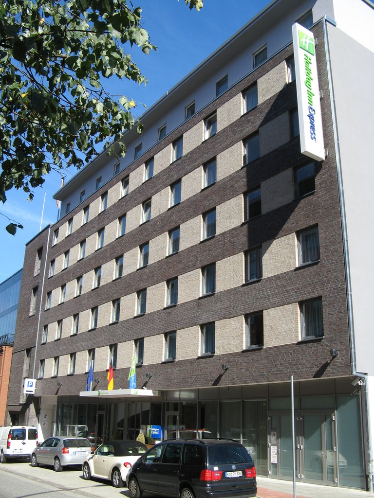 Holiday Inn Express Hamburg - St. Pauli Messe-Exterior Feature<br/>Image from Leonardo